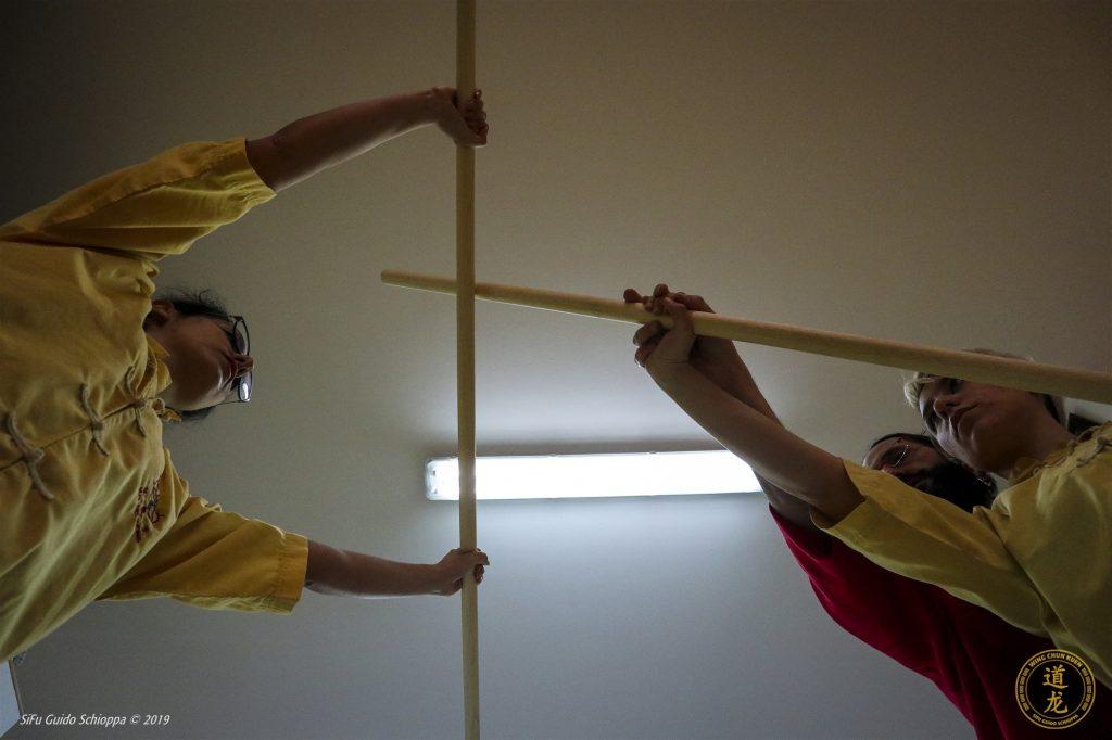 """Tra le armi che distinguono il nostro stile di Wing Chun Kuen troviamo quella del """"Bastone del monaco viaggiatore"""", Hang Je Pang!"""